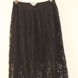 Chic black lace skirt